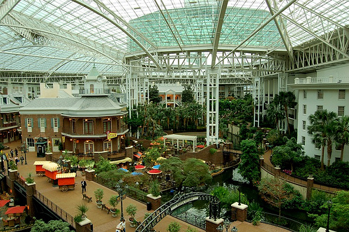 How Many Rooms In Opryland Hotel